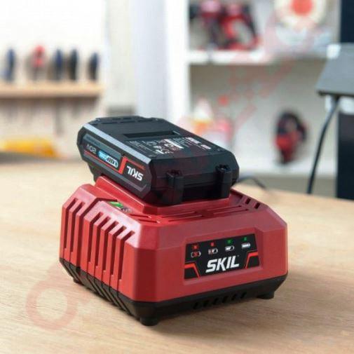 """К-кт акумулаторна батерия """"20V Max"""" (18 V) 2,5 Ah и зарядно SKIL 3110 AA"""